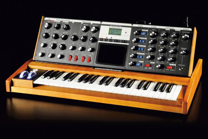 Moog Voyager - hw