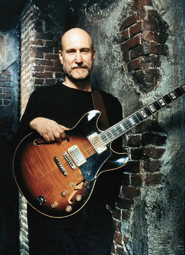 John Scofield s kytarou Ibanez AS-200