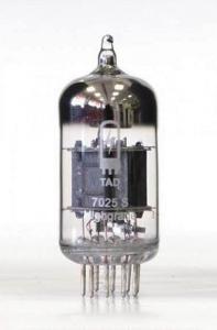TAD 7025 S HG - předzesilovací lampa