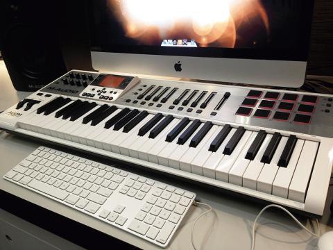 M-Audio Axiom Air61